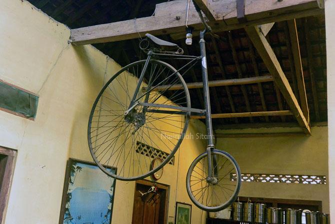 Koleksi sepeda kuno Penny Farthing