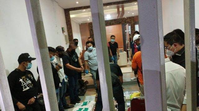 Tangkap Munarman, Polisi Cari Buku Terkait ISIS-JAD di Eks Markas FPI
