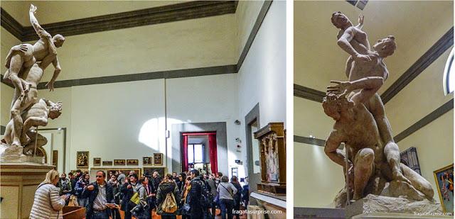 O Rapto das Sabinas, de Gianbologna, na Gipsoteca Bartolinni, na Galleria dell'Accademia, em Florença