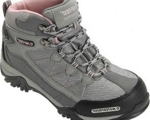 Model Sepatu Hiking Terbaru Pendaki Gunung Pria Wanita