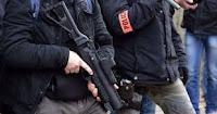 Une trentaine de personnes se sont mobilisées ce jeudi pour dénoncer les dangers liés à l'usage de LBD et de grenades par les forces de l'ordre. Professionnels de santé, associations, Gilets jaunes et simples citoyens se sont réunis sur une plage du Languedoc-Roussillon, pour sensibiliser les vacanciers et interpeller les pouvoirs publics.