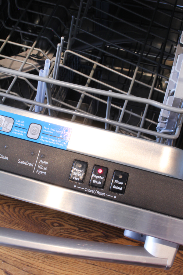 How to clean the inside of the dishwasher