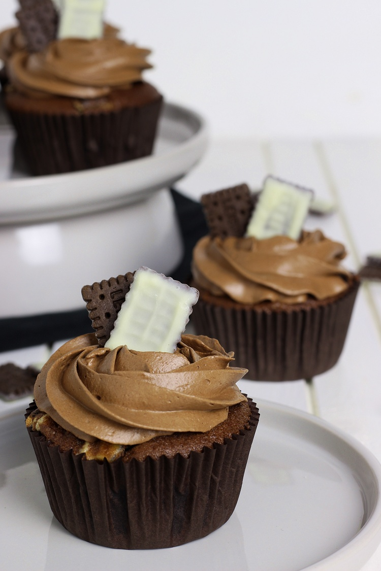 Double Chocolate Cookie Cupcakes 3