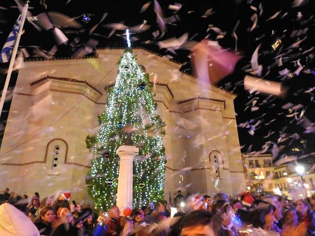 Το Άργος ανάβει το χριστουγεννιάτικο δέντρο και μεταμορφώνεται σε παιχνιδούπολη!!!