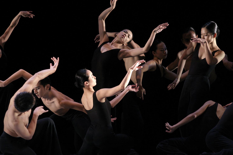 assassines la philosophie au d fi de la danse contemporaine. Black Bedroom Furniture Sets. Home Design Ideas
