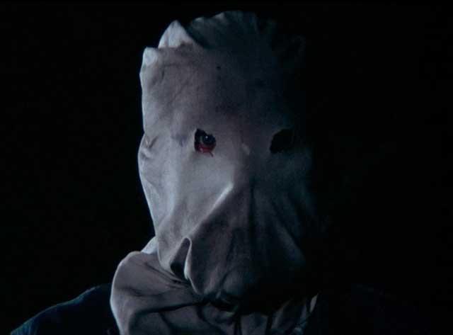 Mencari Sosok di Balik Topeng Phantom Killer