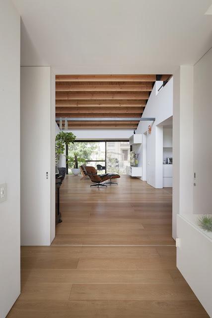 ตกแต่งเพดานและพื้นไม้