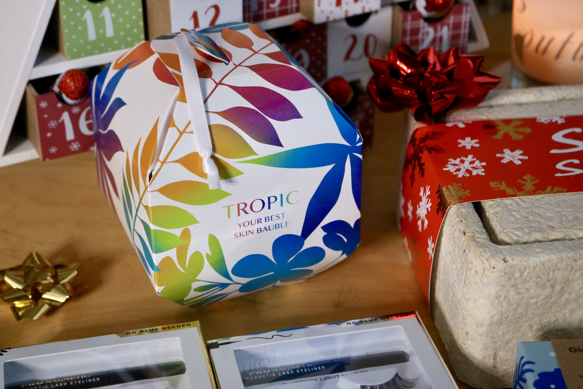 TROPIC YOUR BEST SKIN BAUBLE