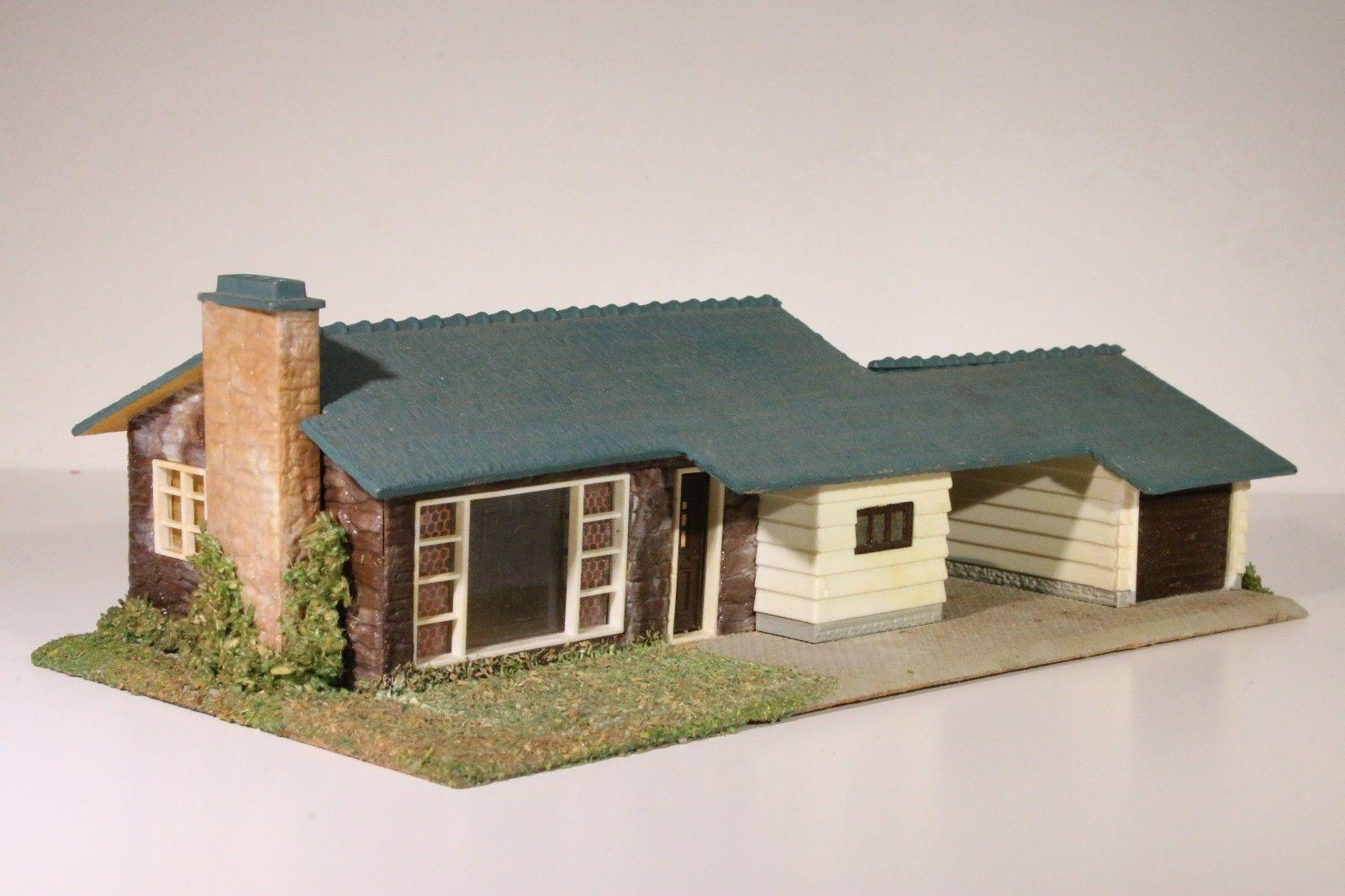 bahnbauten h0 tt n bungalow mit kamin und freistehender. Black Bedroom Furniture Sets. Home Design Ideas