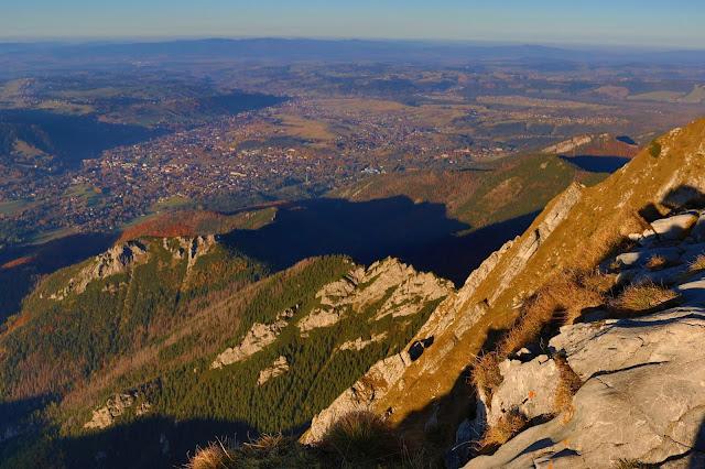 Panorama Zakopanego i regli zakopiańskich z Giewontu