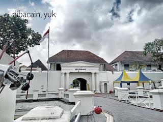 """""""museum benteng vredeburg - sarat sejarah dan dilengkapi diorama menawan"""""""