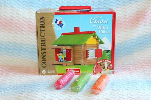 jeu de construction en format chalet pour enfant
