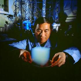 Peter Tsou cubo de aerogel