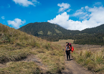 Travel Journal Of Satya Tips Mendaki Gunung Agar Tetap Cantik Untuk Perempuan