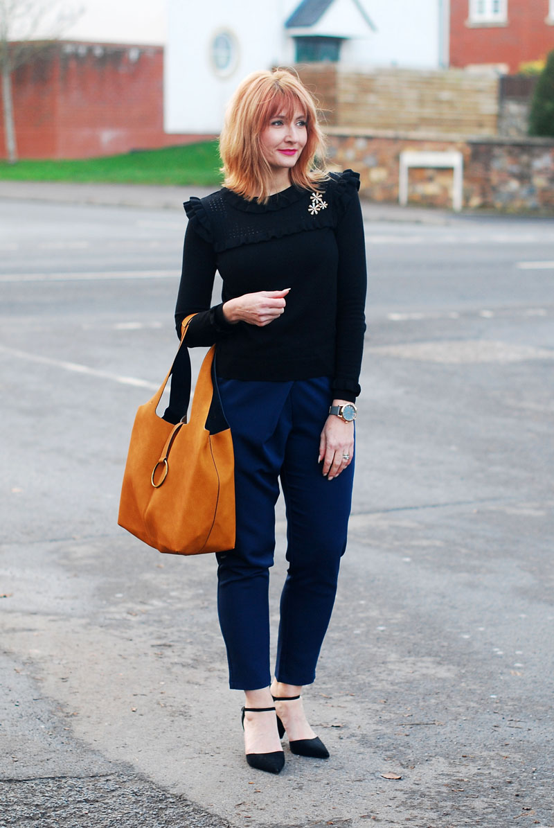 Can You Wear Navy and Black Together?