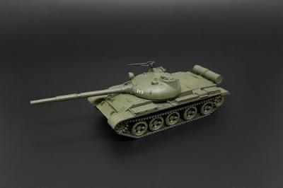 BRS144046 T-62 MBT picture 1