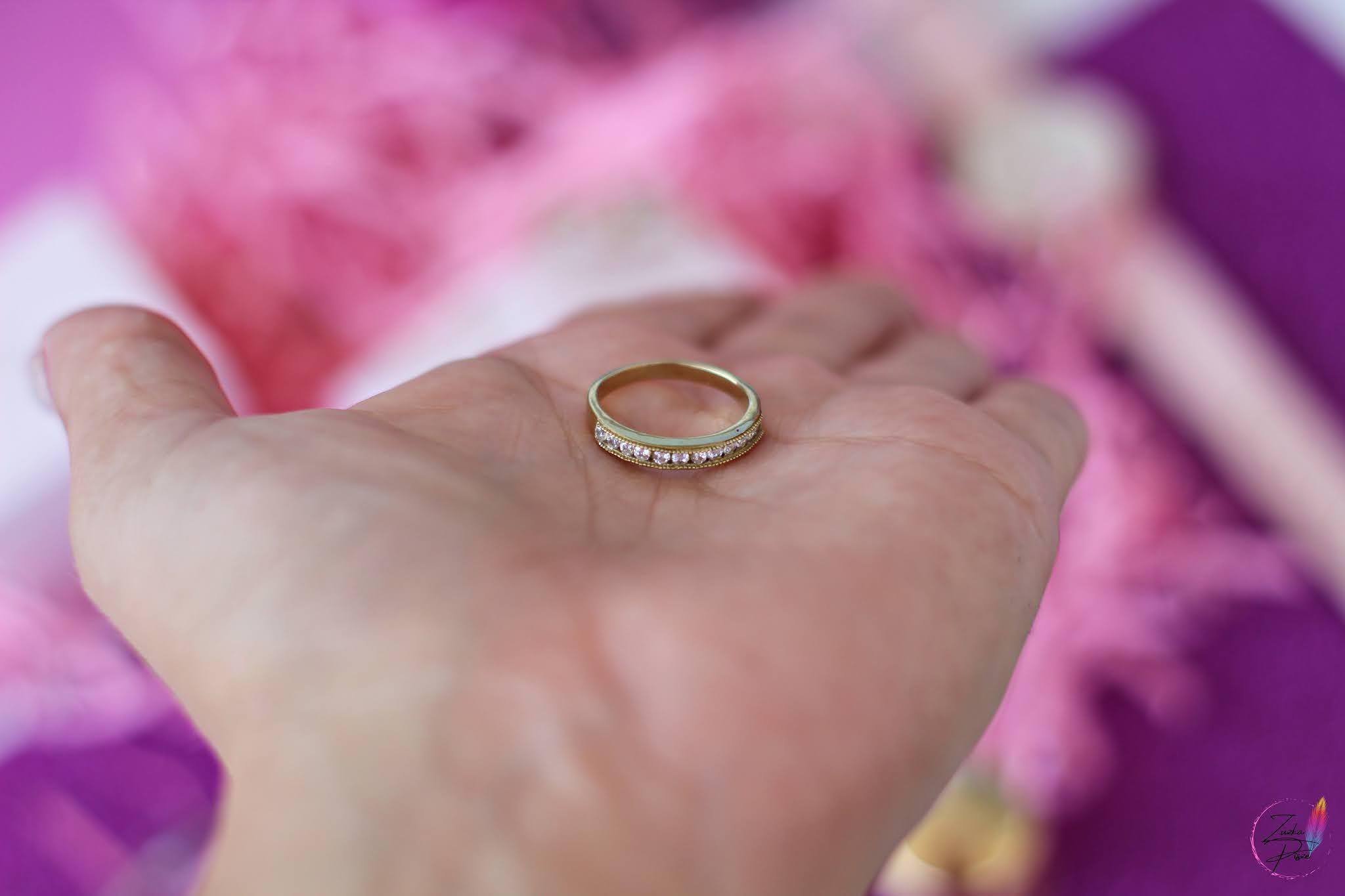 Pierścionek srebrny pozłacany z cyrkoniami