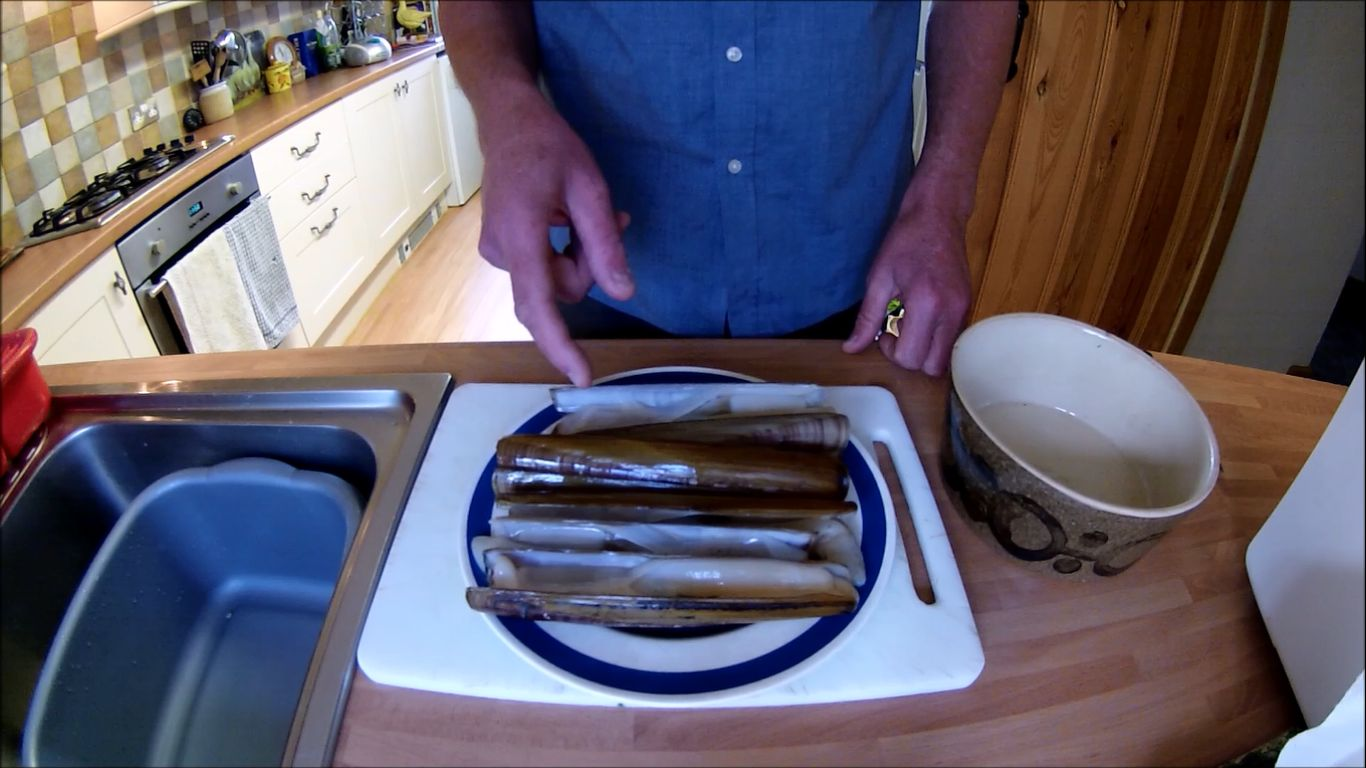 Cornish shore and kayak fisherman catch and cook razor for Catch and cook fish