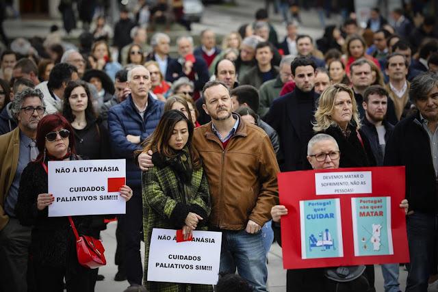 Evangélicos em oração por Marcelo e pelo Tribunal Constitucional para que eutanásia não seja aplicada