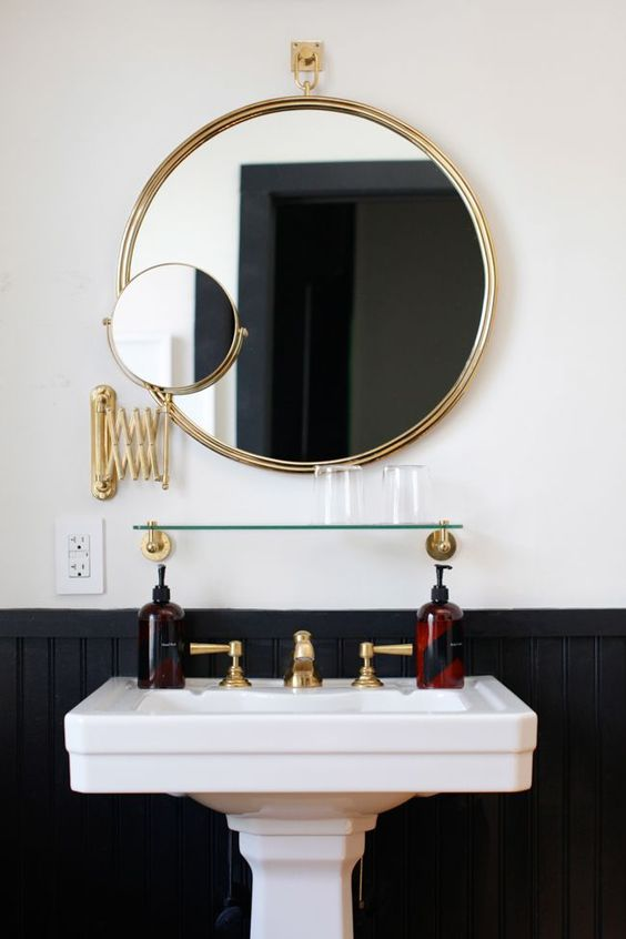 home decor trends worth trying minimalist round metal framed mirrors and statement mirrors. Black Bedroom Furniture Sets. Home Design Ideas