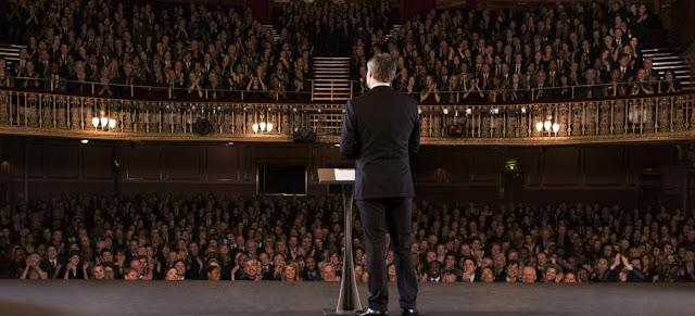 (1) Miliki Kemampuan Public Speaking yang Baik
