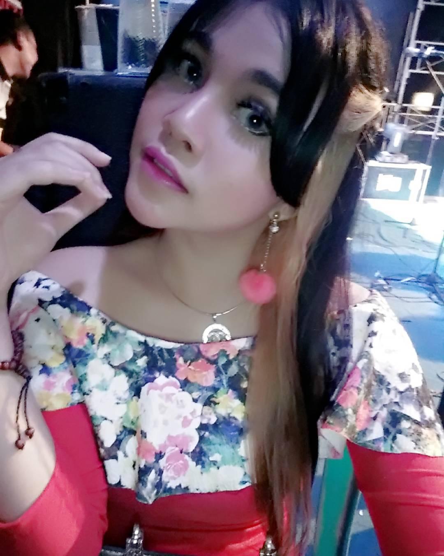 Bintang Hot Penyanyi Eva Rosalia Seksi Koplo 2016 - Penyanyi ...