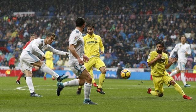 """Ronaldo cực đỉnh của """"chân gỗ"""": Kiệt quệ dứt điểm 11 ăn 0 4"""
