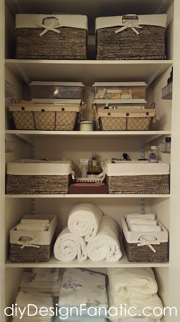 organization, organized linen closet, organize it, baskets, storage, cottage, cottage style, farmhouse, farmhouse style, diyDesignFanatic.com