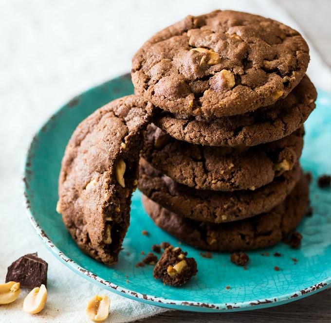Chocolate Nut Cookies