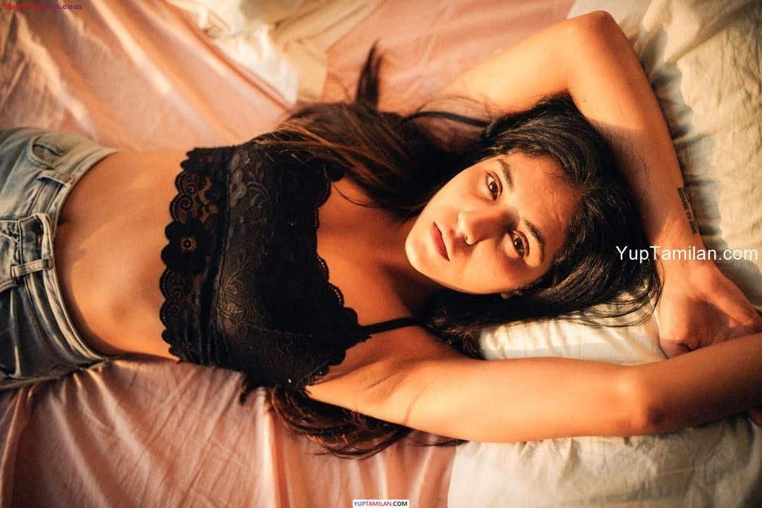 Radhika Seth Sexy Navel Images-Deep Cleavage Photos