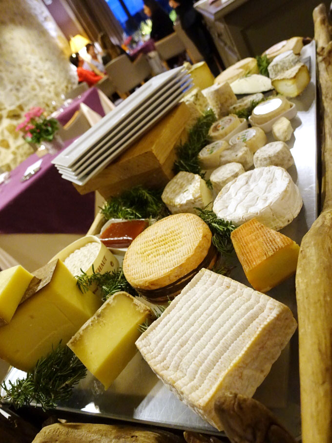 Entre Vigne & Garrigue - Cheese Cart