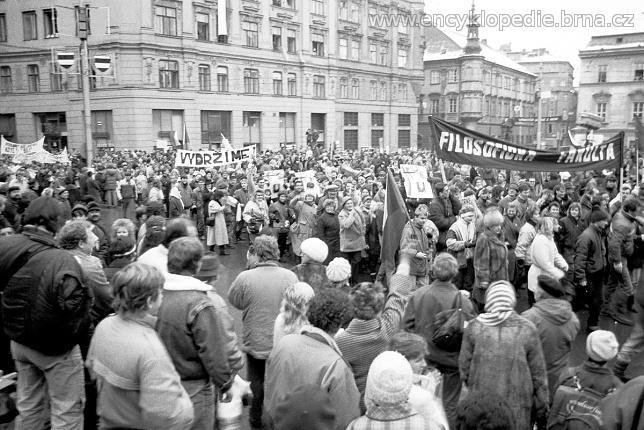 Náměstí Svobody 1989. Autor: Encyklopedie Brna