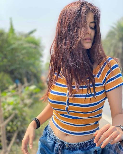 Madhumita Sarcar Hottest Navel Photos