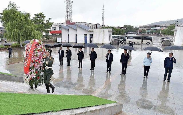 O gesto de Xi aconteceu em desolador desinteresse popular, sinal do vazio em volta do regime