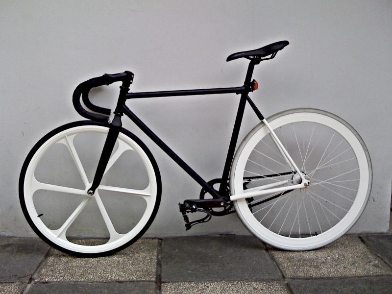 Nova Putra: Fixie dari Sepeda Clasic Onta? Apa Bisa Bagus