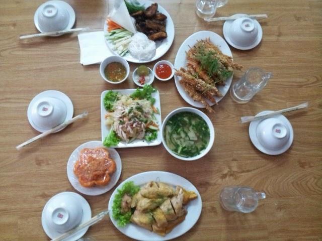 Đặt tiệc tại nhà chị Tuyền- Văn Phú