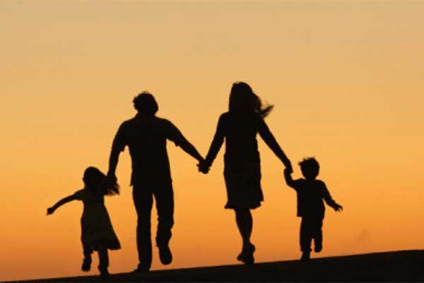 Perbedaaan Disiplin Positif dan Memanjakan Anak