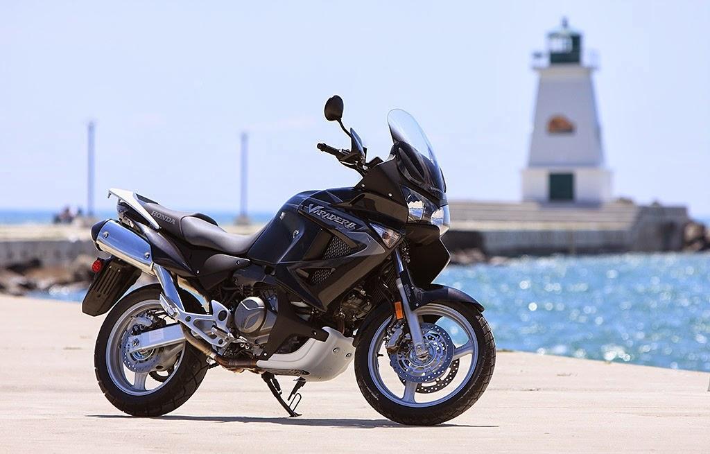 Harley davidson Motorcycles model 2014 Iron 883 kbb