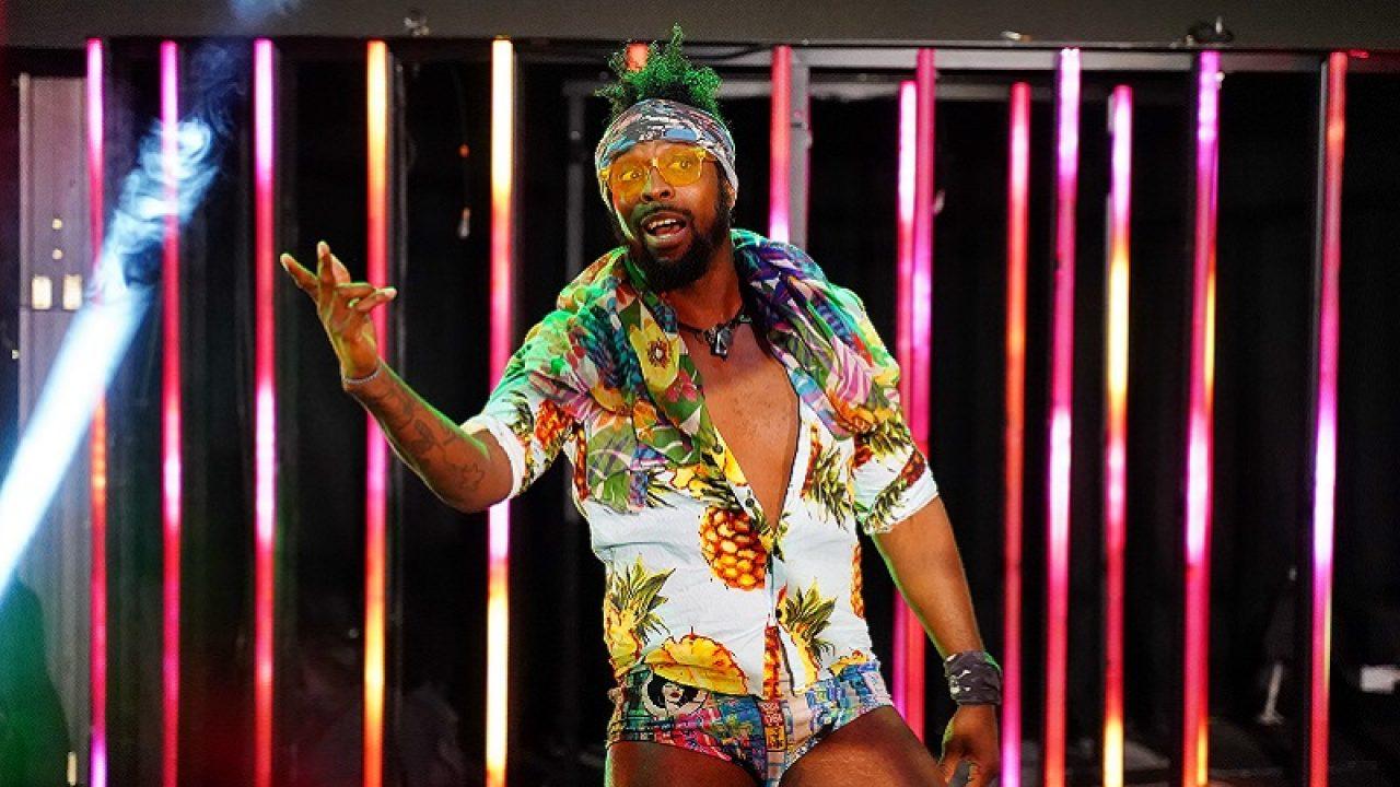 Estrela da AEW apareceu no RAW nesta semana