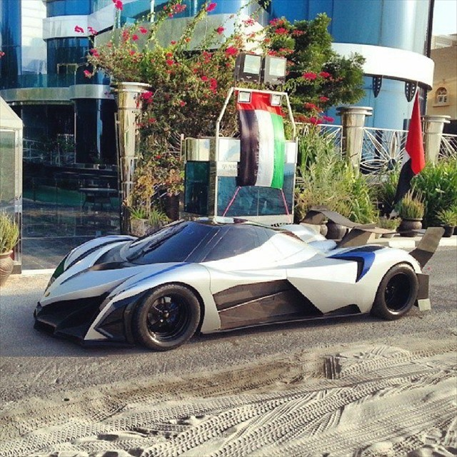 Hypercar Devel Sixteen