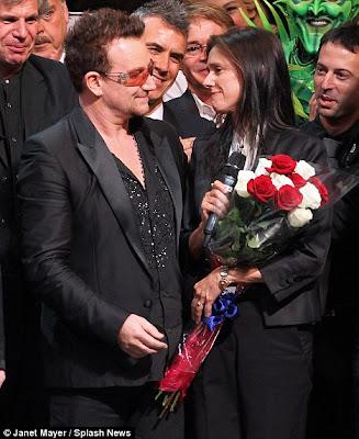 Bono y Julie Taymor en el estreno del musical de Spiderman