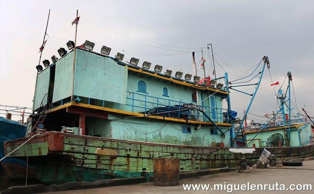 Barcos-pesqueros-Yakarta