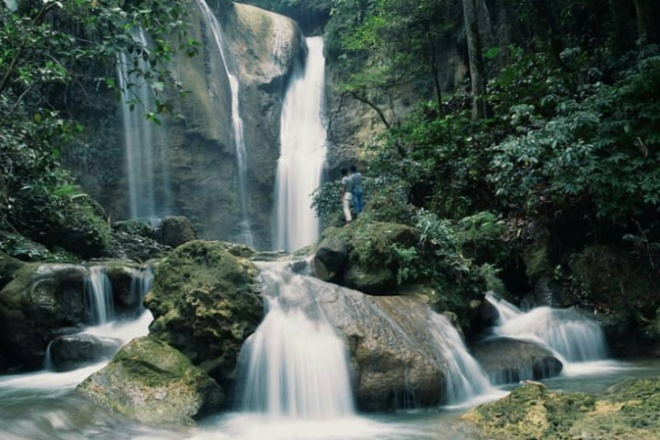 3 Tempat Wisata Air Terjun yang Paling Hits di Bone