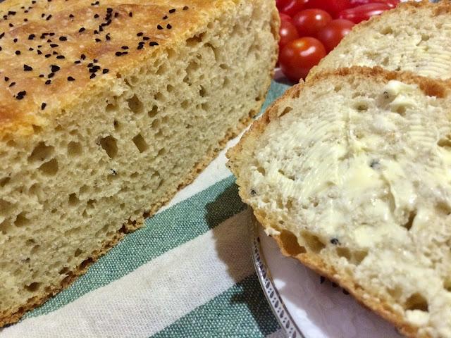 Prosty domowy chleb z suszonych drożdży