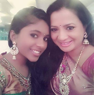 Vanishree with her daughter Khushi