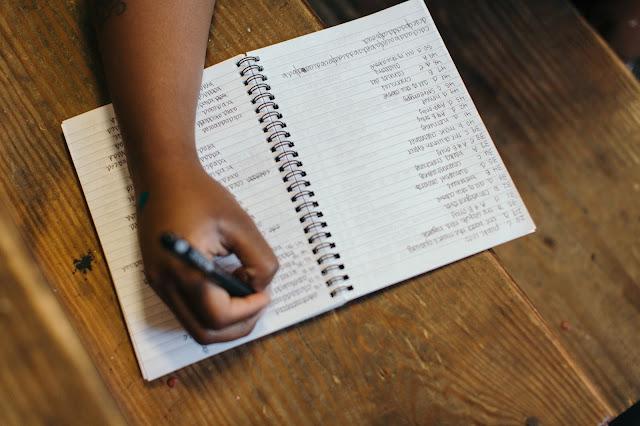 inventar crear escribir