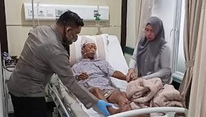 Wakapolres Pelabuhan Belawan Jenguk Anggotanya Yang Terluka Bacok Saat Penangkapan DPO