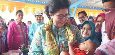 Ibu Nila Moeloek imunisasi wajib