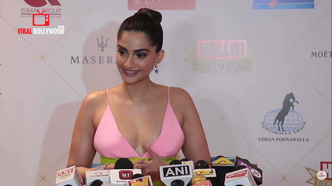 Sonam Kapoor Hot Sexy Cleavage