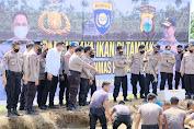 Dukung Kampung Tangguh Nusantara, Kapolda Sulsel Panen dan Tebarkan Benih Ikan